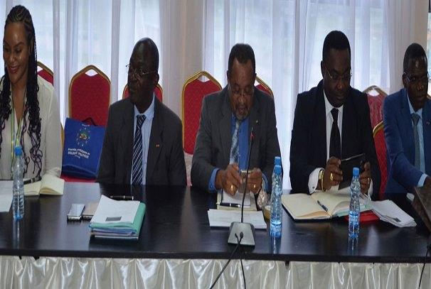 Les membres de la commission 2