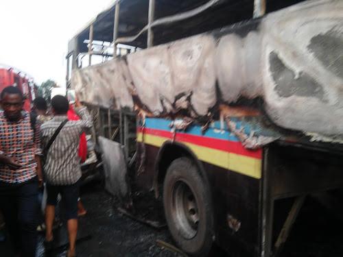 Accident de circulation à Kinshasa : des victimes pas encore identifiées